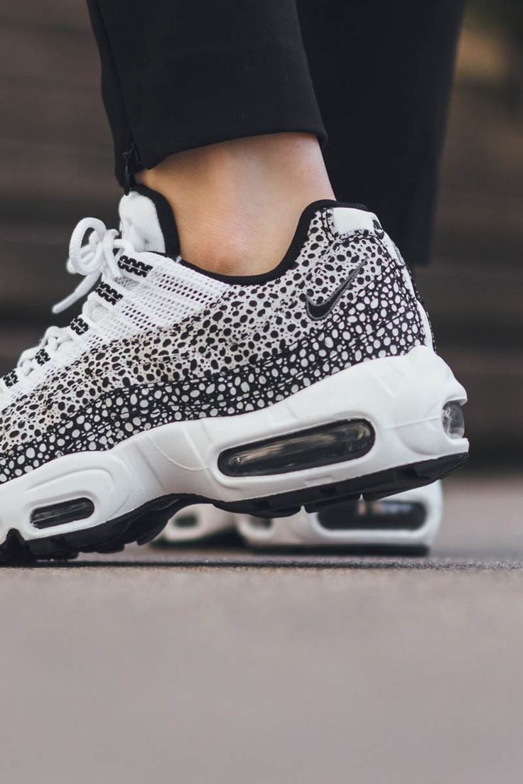 a431f6ee300f9 trendy-ideas-for-womens-sneakers-nike-air-max-95-premium-black-white -dotted.jpg
