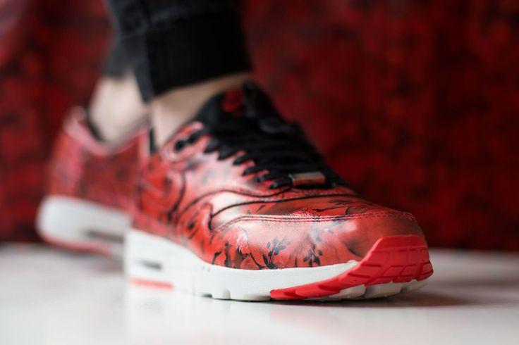 finest selection ef874 5a288 Trendy Ideas For Women s Sneakers   Releasing  Nike WMNS Air Max 1 ...