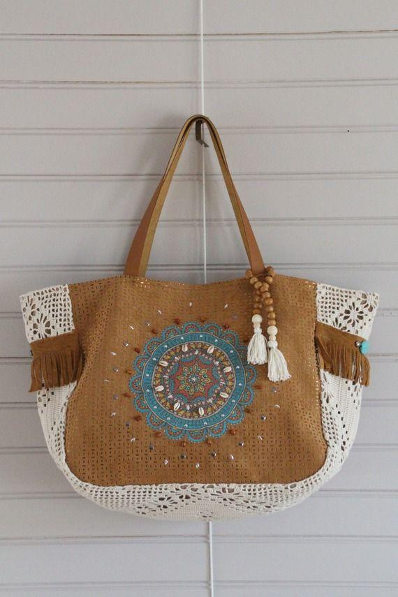 2588ea2a55 Bags & Handbag Trends : Sac suédine camel et simili cuir cuivré ...