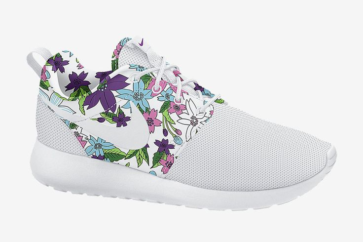 Trendy Ideas For Women s Sneakers   Nike WMNS Roshe One Print (Aloha ... f37ad34f08f9