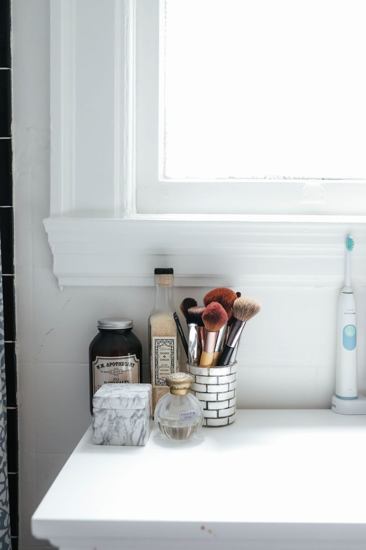 Best Ideas For Makeup Tutorials How To Keep The Bathroom Clean When Living With Roommates