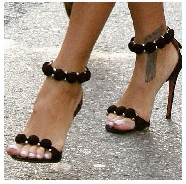 319b2c97426 High Heels   Chanel shoes!!! - Flashmode Worldwide