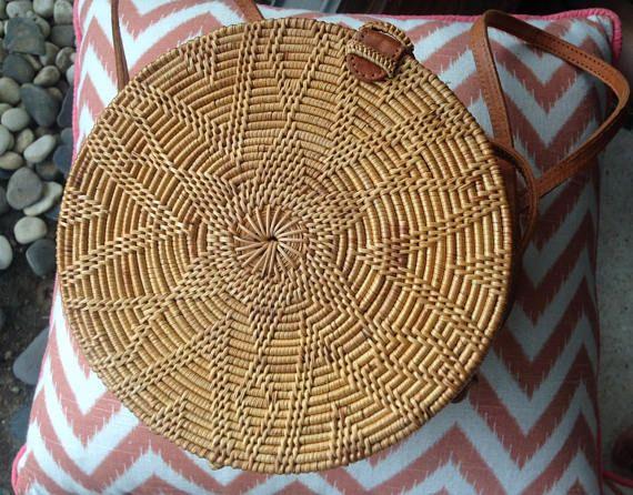 bags handbag trends flores ronde la sac main sac de paille avec motif fleur rond en. Black Bedroom Furniture Sets. Home Design Ideas