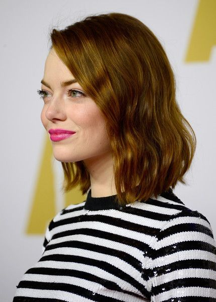 Summer Hairstyles Emma Stones Textured Waves Hair Flashmode