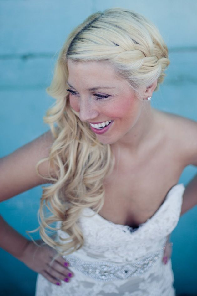 Summer Hairstyles Love This Brides Side Swept Braided Hairstyle