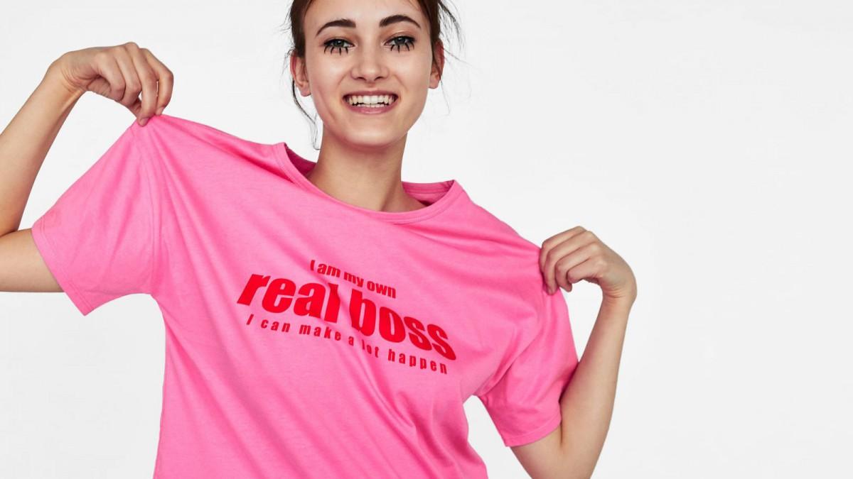T-shirt à texte contrasté de Zata, à 7,95 euros.